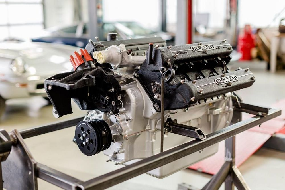 000-motor-revision-maserati-v8-engine