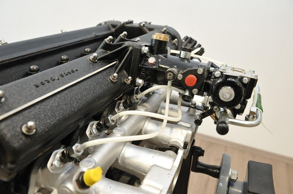 motor-revision-maserati-6-cylinder-engine-001