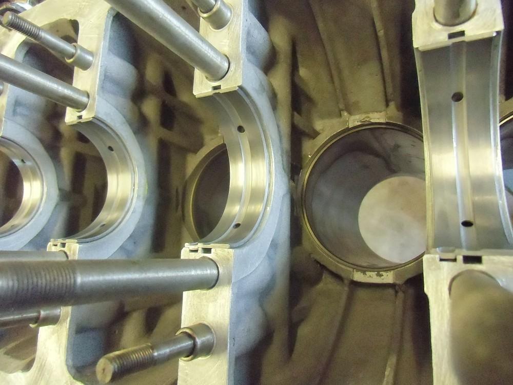 motor-revision-maserati-6-cylinder-engine-023