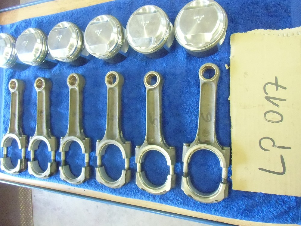 motor-revision-maserati-6-cylinder-engine-033