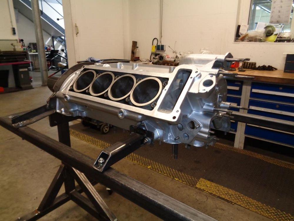 motor-revision-maserati-v8-engine-DSC01934-1