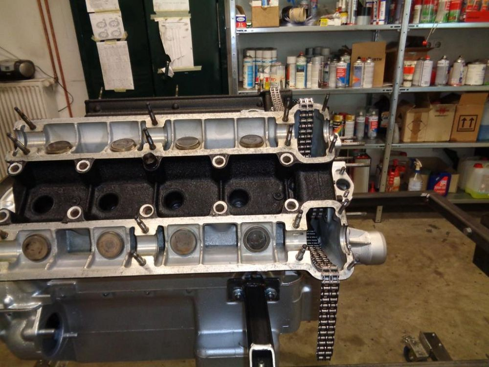 motor-revision-maserati-v8-engine-DSC01979-1