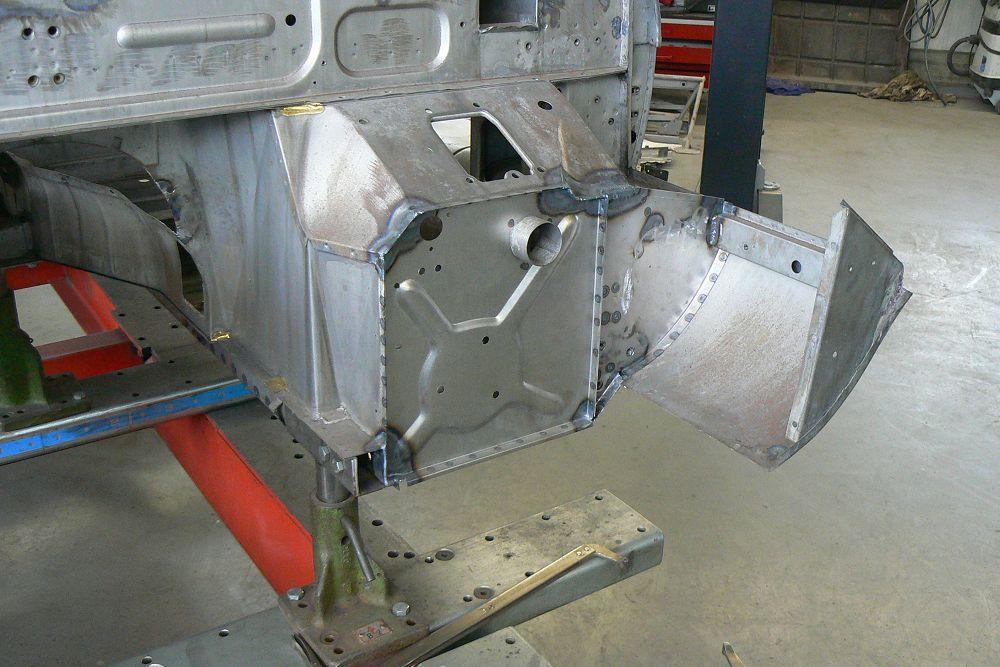 karosseriebau-jaguar-etype-ev12-ots-coach-building-001