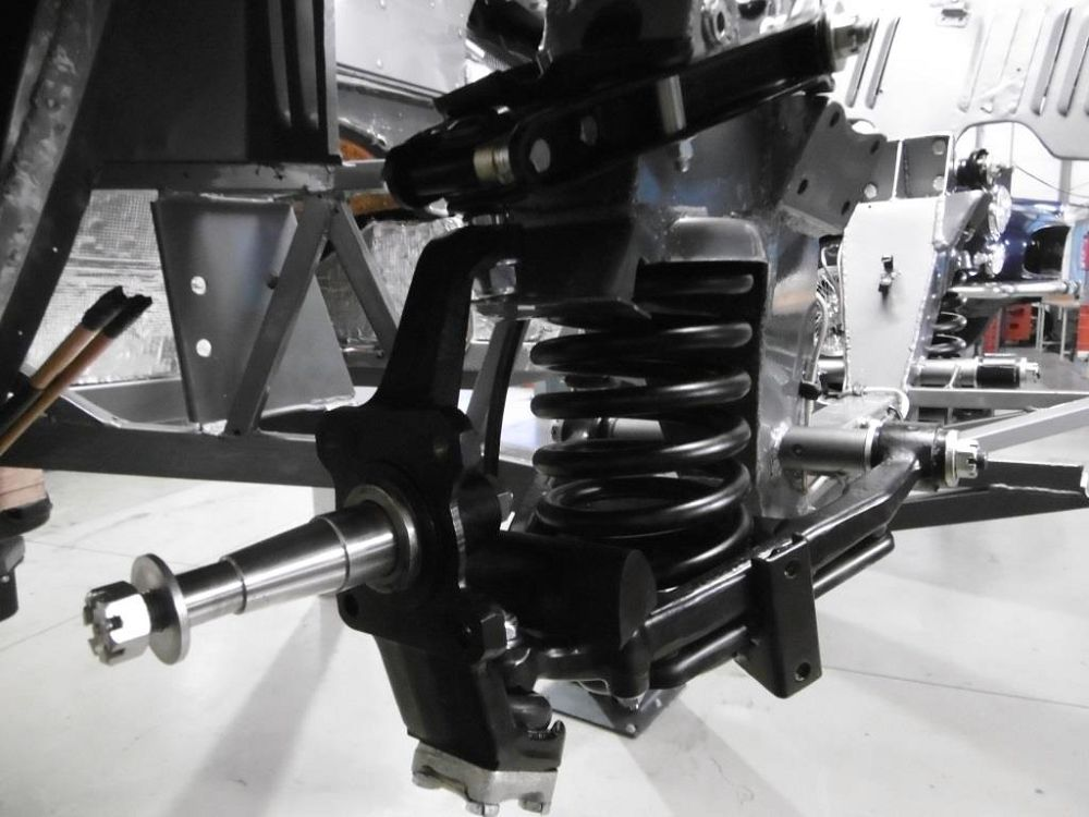 komplettierung-maserati-mistral-spyder-assembly-002