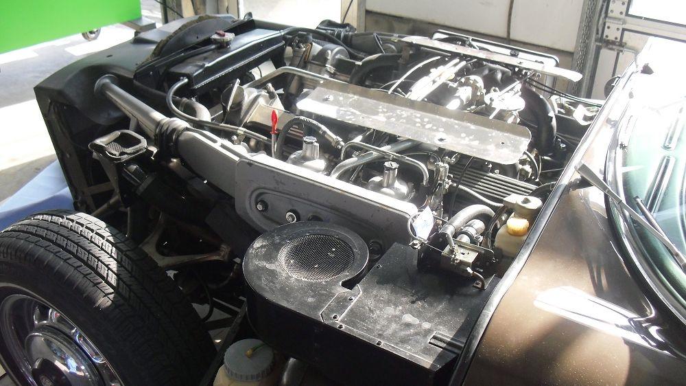 motor-revision-jaguar-v12-engine-001