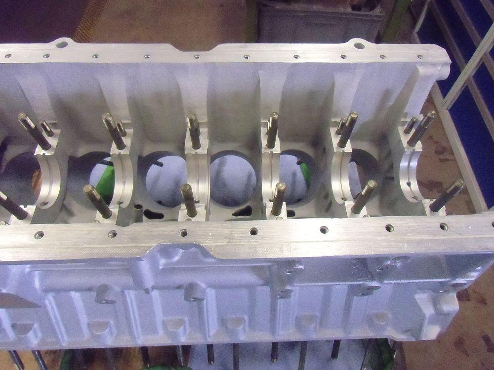 motor-revision-jaguar-v12-engine-006