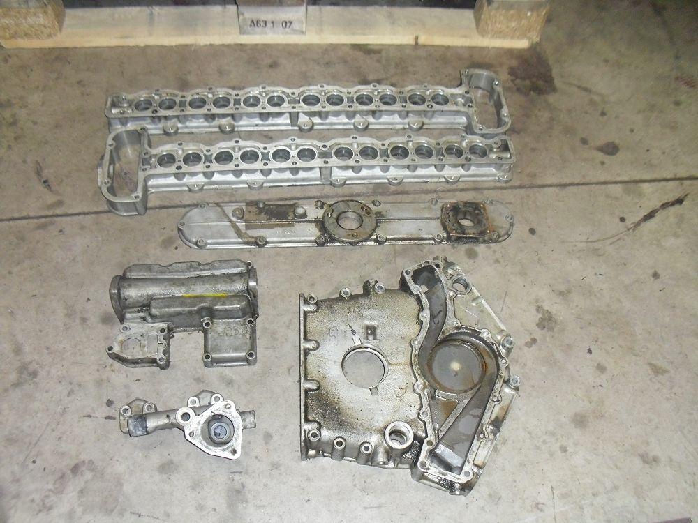 motor-revision-jaguar-v12-engine-013a