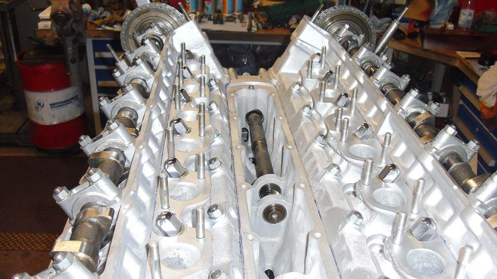 motor-revision-jaguar-v12-engine-014